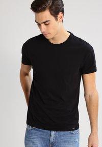 Lee - 2 PACK - T-shirt - bas - black - 2