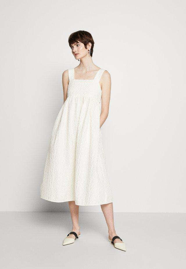 FEELA - Day dress - whisper white