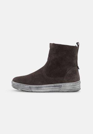 Kotníkové boty - pepper