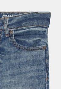 GAP - GIRL - Bootcut jeans - blue denim - 2
