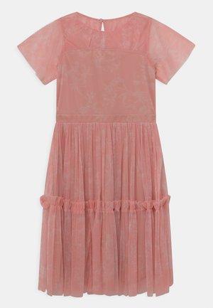RUFFLE DRESS - Vestido de cóctel - pink shadow