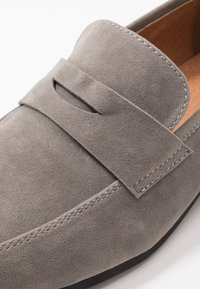 Pier One - Mocasines - grey - 5