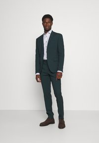 Tommy Hilfiger Tailored - DOBBY TEXTURE SHIRT - Formal shirt - white/navy - 1