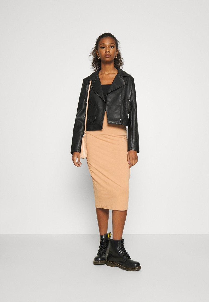 Even&Odd - 2 PACK - Pencil skirt - black/camel