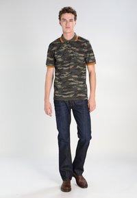 Diesel - LARKEE - Straight leg jeans - 83 - 1