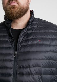 Tommy Hilfiger - PACKABLE JACKET - Piumino - black - 4