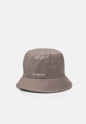 BUCKET HAT - Hat - cinder