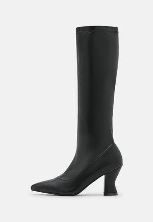 HEALEY - Vysoká obuv - black
