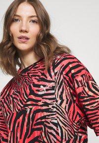 Puma - BOYFRIEND TEE - Print T-shirt - apricot blush - 3