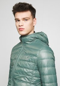EA7 Emporio Armani - GIACCA  - Down jacket - dark forest - 3