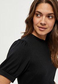 Minus - JOHANNA  - Basic T-shirt - black - 3