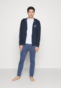 Tommy Hilfiger - HOODIE - Pyjama top - blue - 1