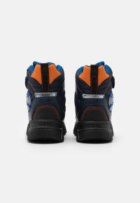 Geox - NEVEGAL BOY ABX - Zimní obuv - navy/orange - 2
