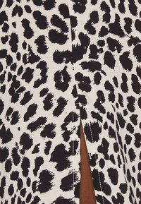 b.young - JOELLA SMOCK DRESS  - Day dress - birch - 4