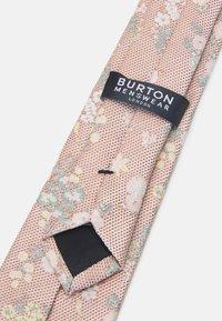 Burton Menswear London - FLORAL TIE AND HANKIE SET - Slips - light pink - 3