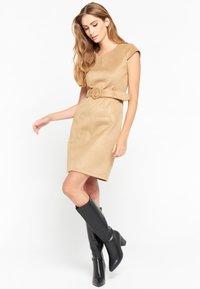 LolaLiza - Shift dress - camel - 1