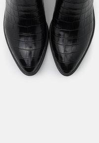 Marco Tozzi by Guido Maria Kretschmer - Boots - black - 5