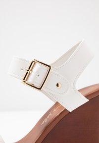 New Look - PERKIN - Højhælede sandaletter / Højhælede sandaler - white - 2