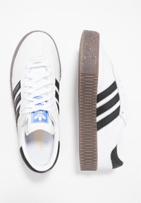 adidas Originals - SAMBAROSE - Sneaker low - footwear white/core black - 3