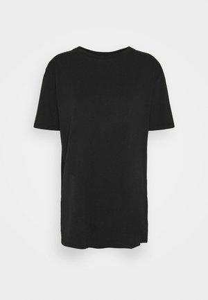 THE OVERSIZED DAD TEE - Basic T-shirt - washed black