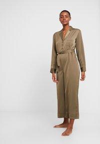 Chalmers - BROOKE JUMPSUIT - Pyjamas - military - 0