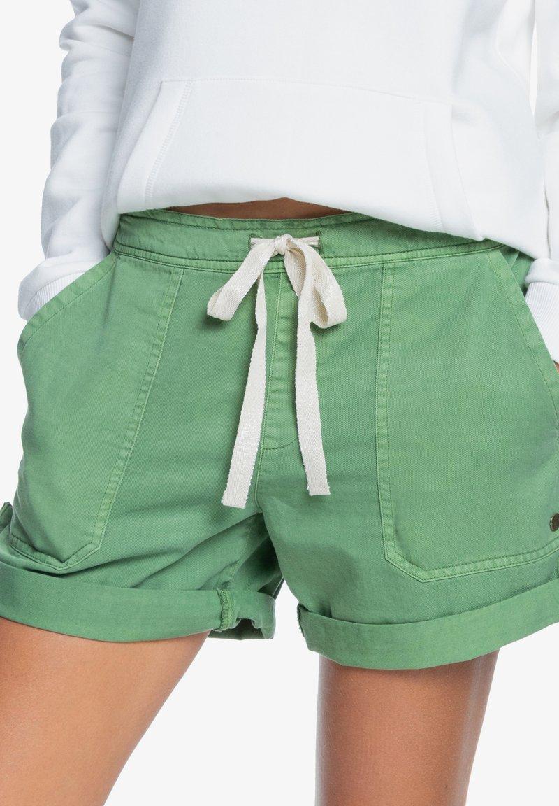 Roxy - LIFE IS SWEETER - Shorts - vineyard green