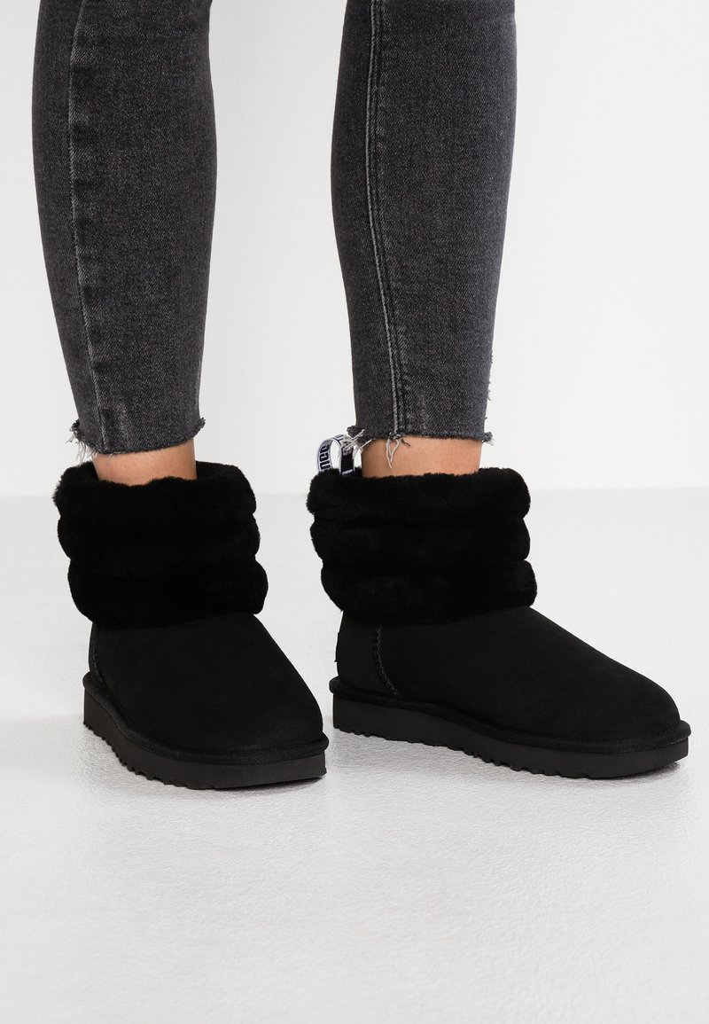 UGG - FLUFF MINI QUILTED - Classic ankle boots - black