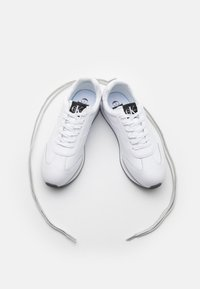 Calvin Klein Jeans - RUNNER LACEUP - Trainers - bright white - 5