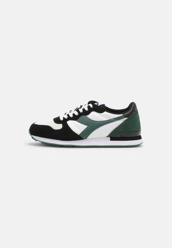 ICONA UNISEX - Sneakers basse - white/dark green