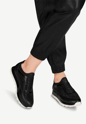 Baskets basses - black comb
