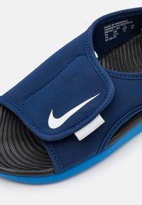 Nike Performance - SUNRAY ADJUST 5 UNISEX - Vandringssandaler - blue void/pure platinum/signal blue/black - 5