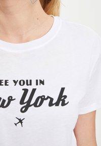 DeFacto - Print T-shirt - white - 4