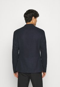 Isaac Dewhirst - TEXTURE  - Giacca - dark blue - 2