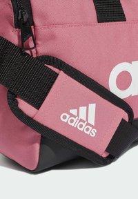 adidas Performance - LINEAR XS SPORTS ESSENTIALS PRIMEGREEN DUFFEL BAG - Borsa per lo sport - pink - 3