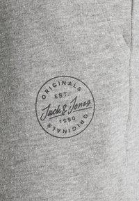 Jack & Jones - JJI SHARK - Shorts - light grey melange - 2