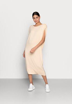SARAH DRESS - Žerzejové šaty - vanilla