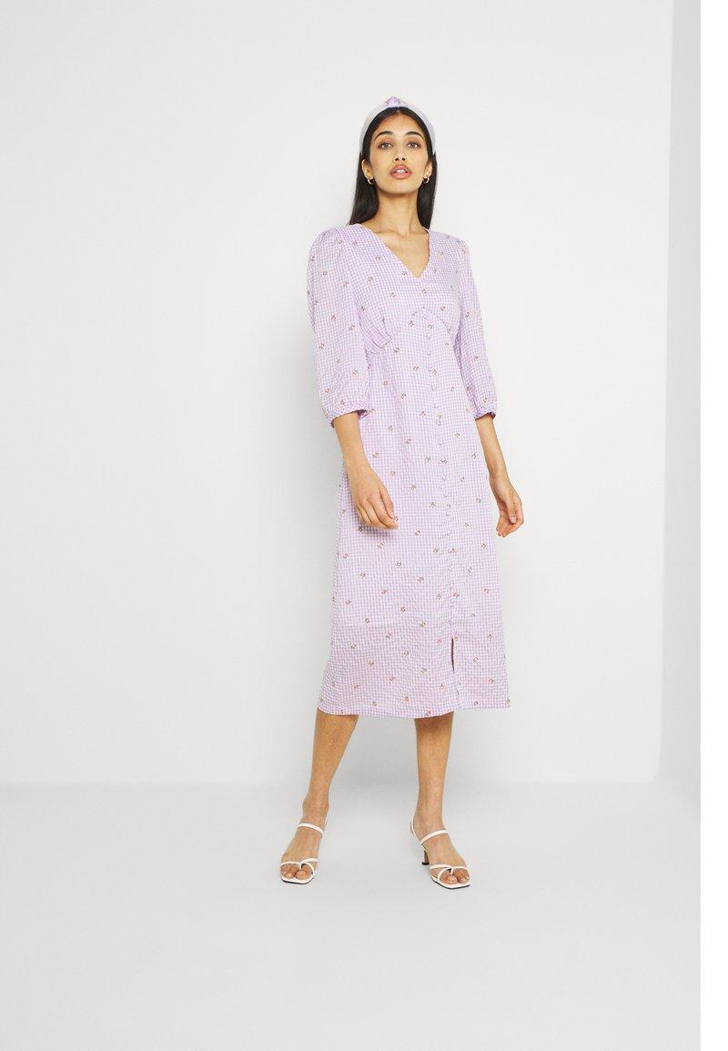 YAS - YASMAYA MIDI DRESS - Vestito estivo - lilac