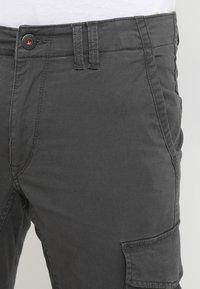 Jack & Jones - JJIPAUL JJFLAKE  - Pantalon cargo - asphalt - 3