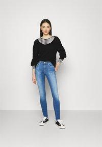 ONLY - ONLSHAPE LIFE REG - Jeans Skinny Fit - light medium blue denim - 1