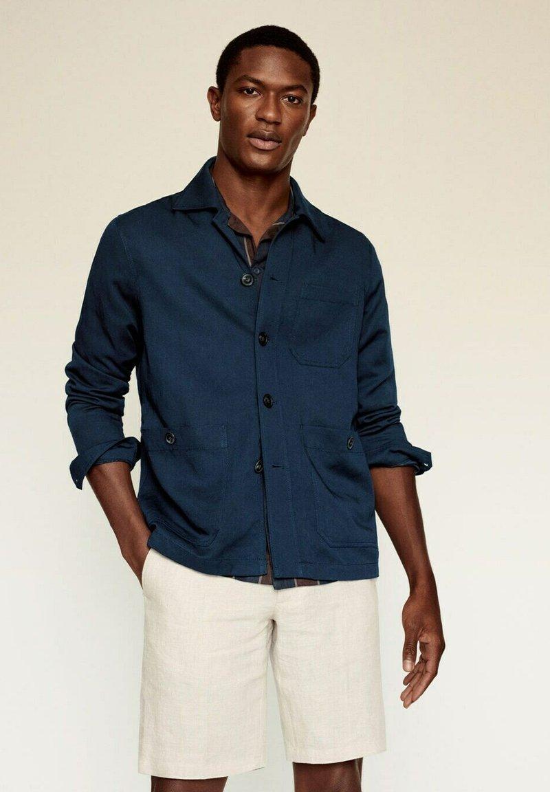 Mango - MARTE - Giacca di jeans - dunkles marineblau