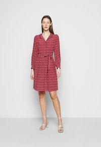 WEEKEND MaxMara - VERBAS - Robe chemise - rot - 1