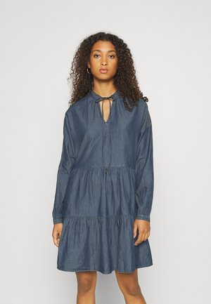 PCMARRY DRESS - Vestito di jeans - dark blue denim
