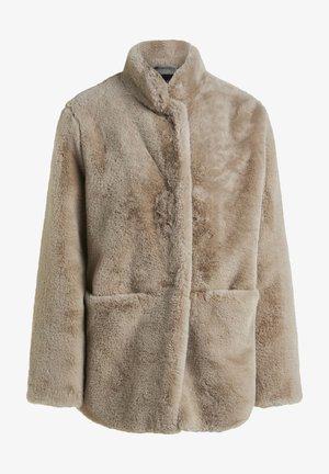 Winter coat - marble