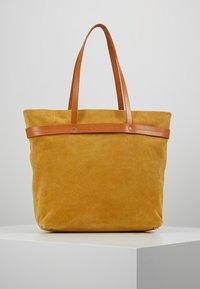 Liebeskind Berlin - Tote bag - tawny yellow - 0