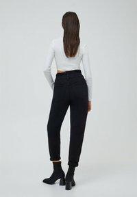 PULL&BEAR - PAPERBAG - Jeans baggy - black - 2