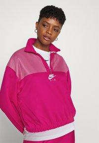 Nike Sportswear - AIR - Sudadera - fireberry/white - 3