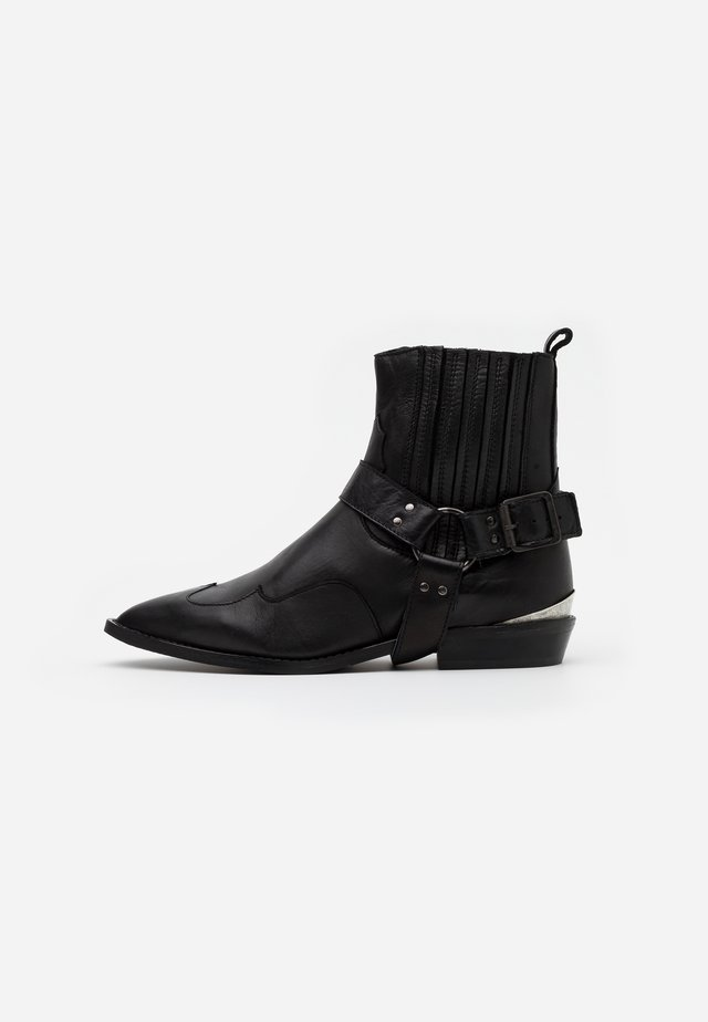 SLFABIGAIL BOOT - Cowboy/biker ankle boot - black