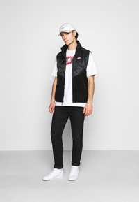 Nike Sportswear - Waistcoat - black/black/pro green - 1