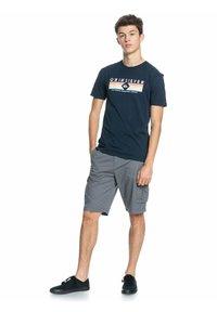Quiksilver - DISTANT SHORES - Print T-shirt - navy blazer - 1