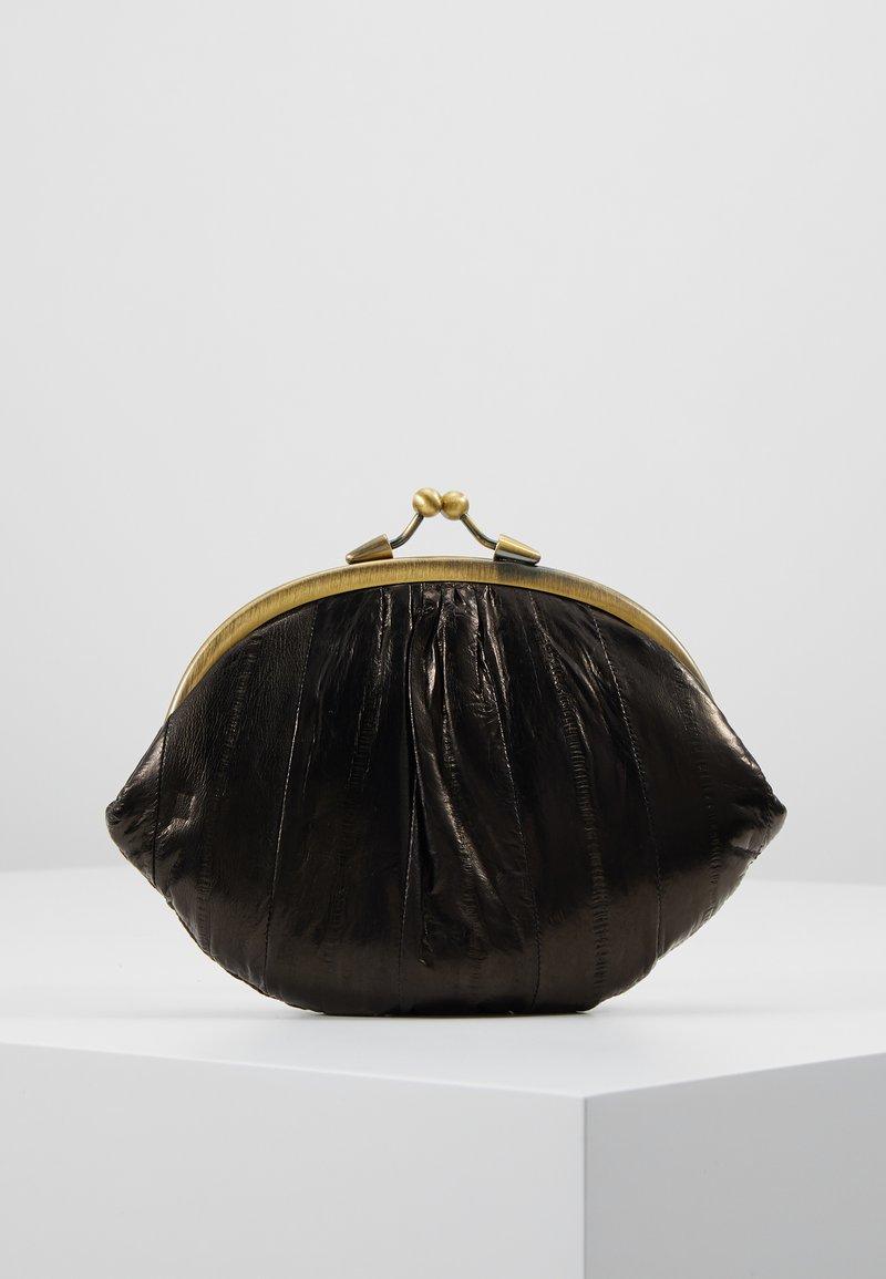 Becksöndergaard - GRANNY - Wallet - black